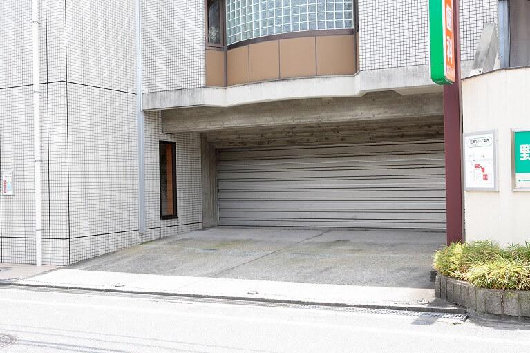 駐車スペース(2台)